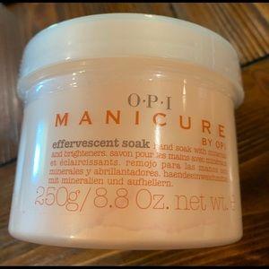 OPI Manicure Effervescent Soak